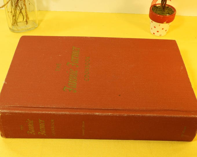 Vintage Fannie Farmer Cookbook, Eleventh Edition Fannie Farmer Cook Book With Drawings, Little Brown and Company Fannie Farmer Cook Book