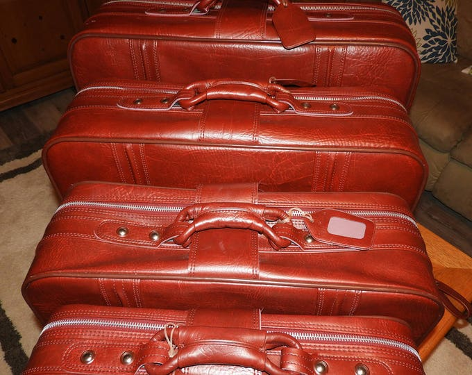 Vintage World Traveler Luggage Set (4), Red Leather World Traveler Suitcases, Rolling Luggage Large Case,Train Case,Retro Luggage, Korea