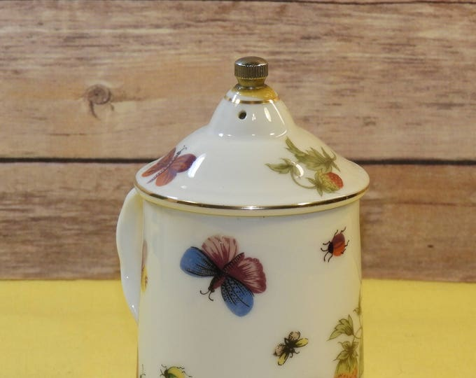 Vintage Ardalt Lenwile Shaker, Salt or Pepper Shaker, Korea Strawberry Home Decor, White Serving Table Dinner, Butterfly Fruit Dinnerware