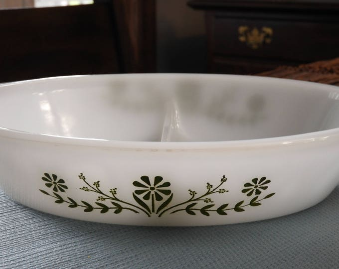 """Vintage Glasbake Daisy Plate, J2352 White Green Floral Decor Oval Bowl, Milk Glass Casserole Quiche Dish, 12"""" Glass Serving, Made in USA"""