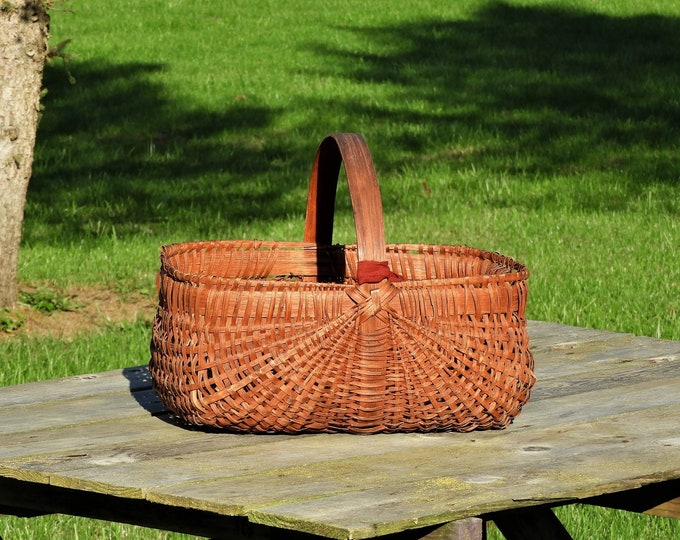 Antique Buttocks Basket, Red Primitive Decor, Wooden Home Decoration, Woven Wood Basket, Bathroom Towel Holder, Thanksgiving Centerpiece