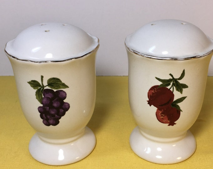 Vintage Fruit Salt & Pepper Shakers, White Grape Apple Theme, Decorative Salt and Pepper Shakers, Home Salt Pepper Shakers, Made in China
