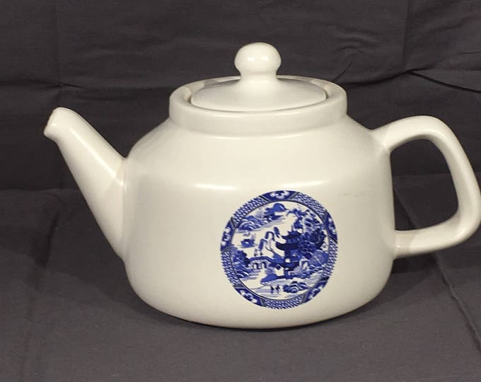 Vintage McCoy Teapot, Decorative White Blue Tea Pot, McCoy 163 Ceramic Kettle, McCoy Pottery Tea Pot, Oriental Theme Tea Maker,Hot Water Pot