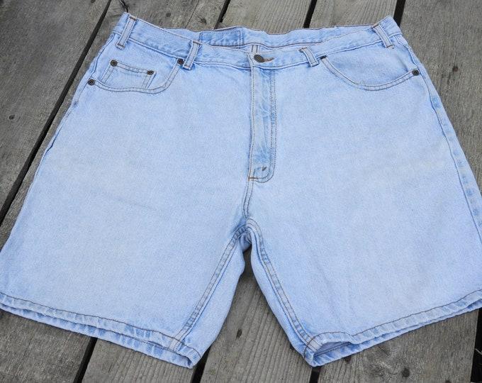 "Vintage High Waisted Mom Shorts, Womens 35"" Waist Jean Shorts, Mesa Fashion Shorts, Mens Very Faded Shorts, Retro Fade Clothing"