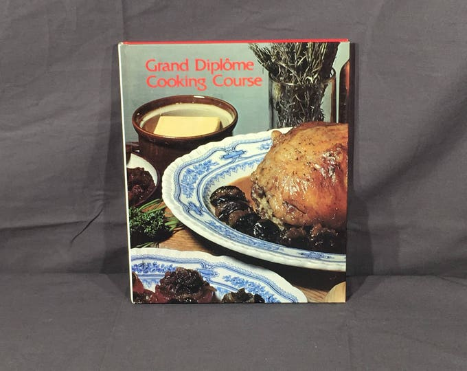 Vintage Tested Cookbook, 1972 Grande Diplome Cooking Course, Decorative Gray & Red Recipe Manual, Volume 17 Grande Diplome Cookbook