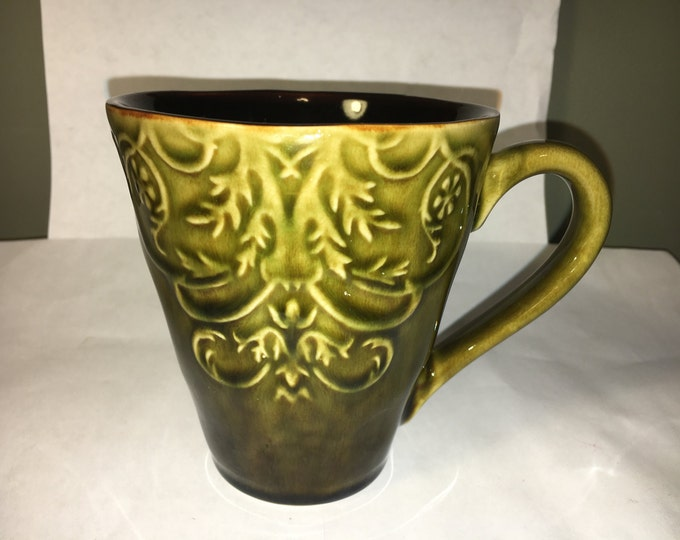 Vintage Green Mug, Dark Green & Brown Floral Ceramic Mug, Ceramic Pottery Collectible Cup, Berry Floral Theme Mug
