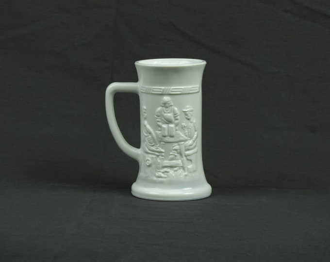Vintage White Stein, Milk Glass, Opaque Drinkware, Federal Mug, Tavern Theme, Colonial Farmhouse, Kitchen Decor, Home Decoration