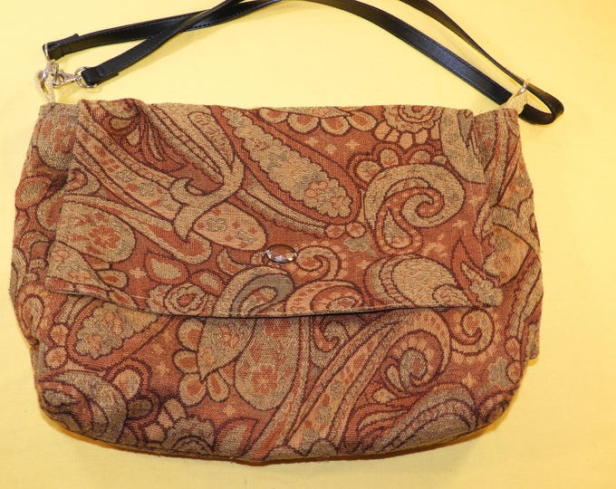Vintage Paisley Bag, Tapestry Messenger Bag, Decorative Red Gold Green Accent Handbag,Multi Section Quality Retro Style Purse, Shopper Bag