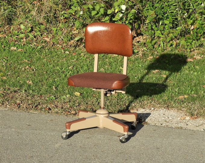 Vintage Office Chair, Industrial Decoration, Decorative Beige Seat, Rolling Metal Furniture, Tweed & Vinyl Seating, Entryway Accent Chair