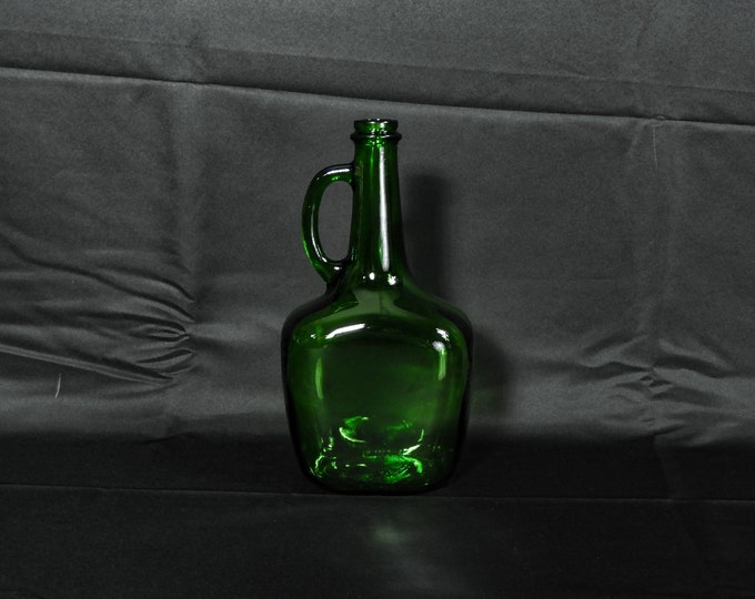 Vintage Green Bottle, Madera Glass, 1.5 Liter, Collectible Decanter, 1520 86 15, Home Decor, Old Barware, Wine Storage, Ceremonial