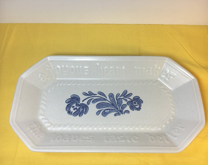 "Pfaltzgraff Yorktowne Bread Tray, Blue Design A Joyous Heart Makes The Loaves Taste Better, Pfaltzgraff Stoneware Tray, 12 3/8"" x 6.5"" USA"