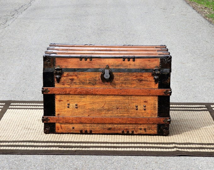 Antique Steamer Trunk, Wooden Coffee Table, Industrial Decor, Country Western, Pirates Chest, Upcycled Wood, Brown & Black Furniture