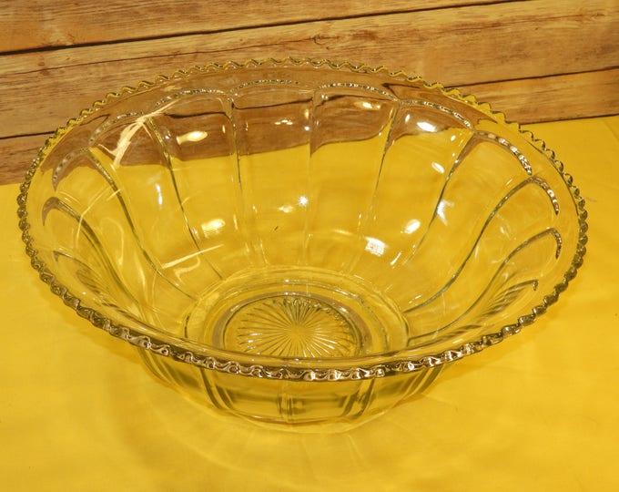 Vintage Indiana Glass Colonial Punch Bowl, Clear Scalloped & Paneled Glass Dish, Retro Party Punch Server Bowl, Decorative Punch Bowl