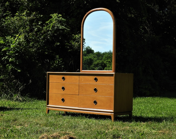 Mid Century Dresser, Kent Coffey Furniture, Panorama Walnut Decoration, Bedroom Furnishing, Gold Brown Vintage Storage