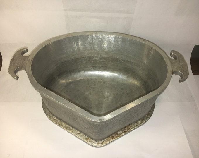 Vintage Aluminum Pot, Guardian Service, Triangular Roaster, Industrial Centerpiece, Silver Gray, Kitchen Decor, Metal Mixing & Craft Mold