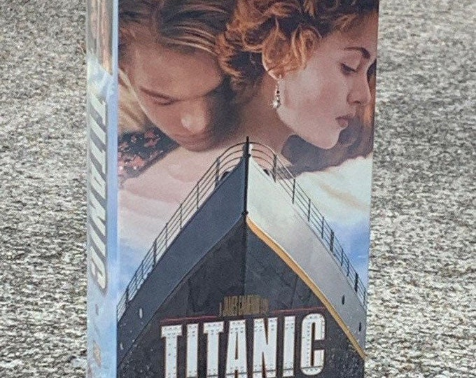 Vintage Titanic Movie, 1997 James Cameron, VHS Hi Fi Stereo, PG13 194 Minutes, 334813 VCR Tapes, Unopened Love Story