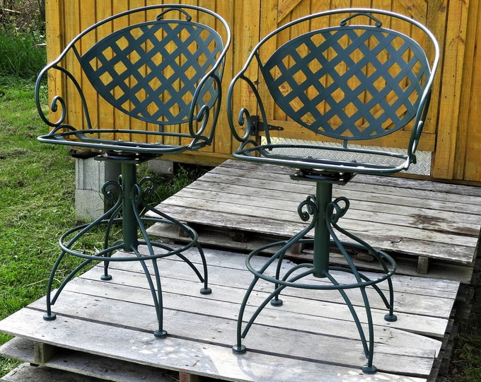 Vintage Meadowcraft Patio Chairs, Green Steel Bar Stools, Lattice Back Barstools, Swivel Garden Seating, Outdoor Decor, Backyard Furniture