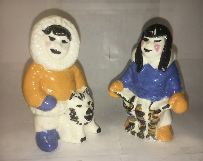 Vintage Eskimo Shakers, Salt and Pepper Shakers, Collectible Figurines, Blue Mustard Inuit Art, Ornate White Eskimo Shakers, Black Hair,