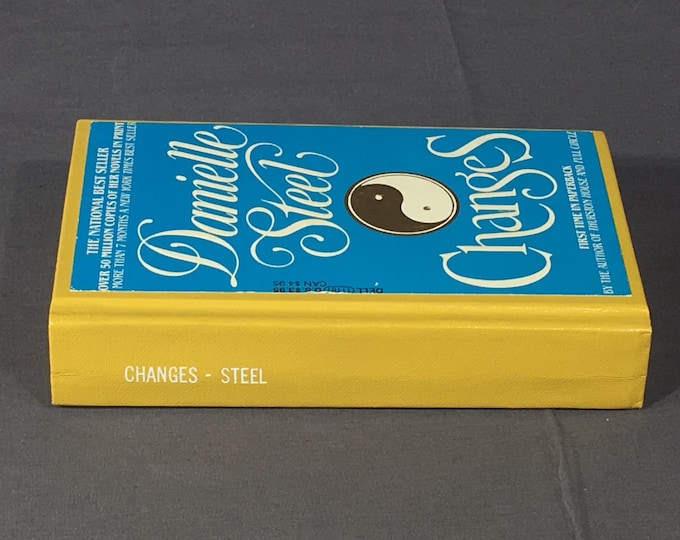 Vintage Fiction Book, Danielle Steele Changes Book, Rare Collectibles, Hardback Book, Gold & Blue Living Room Decoration, First Dell Print