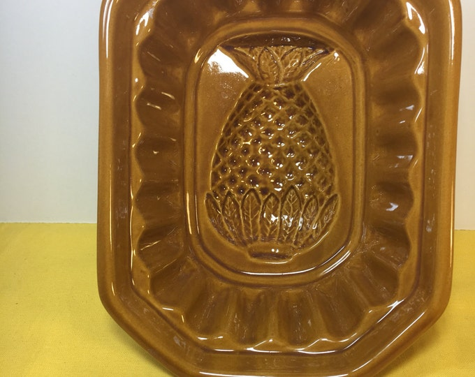 Vintage Pineapple Mold, Brown Yellow Ware, Ceramic Fruit, Kitchen Decoration, Craft Supply, Wax Holder, Tropical Decor