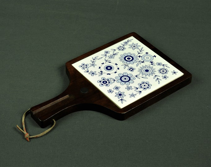 Vintage Kitchen Trivet, Wall Hanging, Blue Onion, Blue & White, Walnut Stain, Dark Brown, Ceramic Potholder, Home Decor, Wood Frame