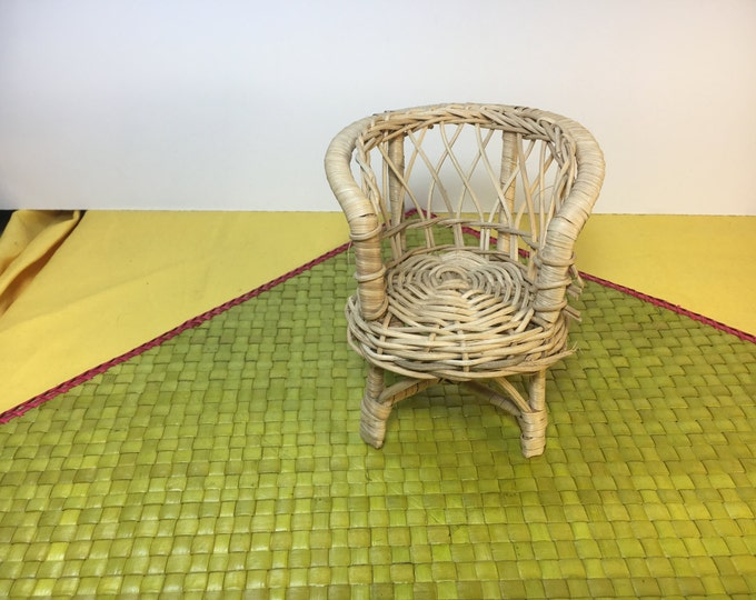 Vintage Dollhouse Chair, Wicker Beige Dollhouse Chair, Gold Rattan Chair, Barrel Back Chair, Detailed Dollhouse Furniture
