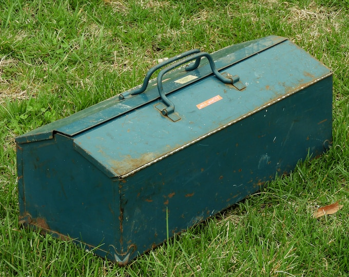 Vintage Union Toolbox, 1940's Steel, Split Top, Dual Handle, Collectible Tool Box, Removable Tray, Teal Blue, Made in USA, Industrial Decor