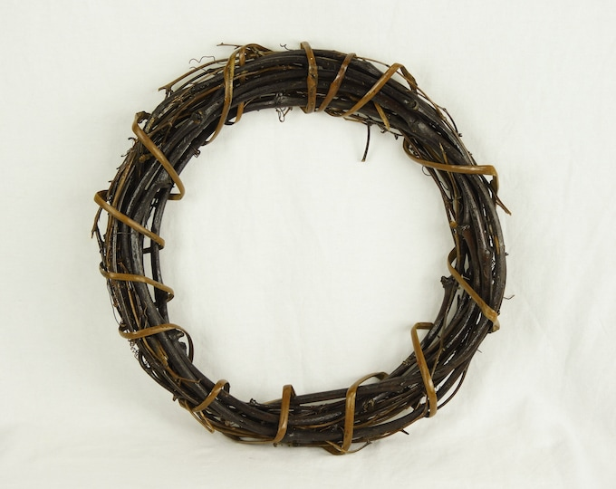 Vintage Wooden Wreath, Woven Grapevine, Rattan Wrap, Wall Hanging, Brown & Gold, Home Decor, Entryway Decoration, Table Centerpiece