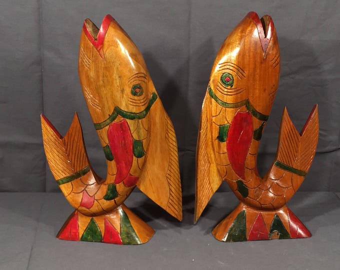 Vintage Fish Statues (2), Decorative Wood Fish Bookends, Nautical Home Decor, Red & Green Accent Carvings, Collectible Wooden Art, Ocean Art