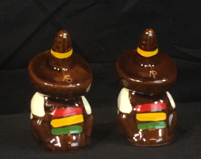 Vintage Sombrero Shakers (2), Mexican Salt & Pepper Shakers, Decorative Brown Yellow Shakers, Serving Dinnerware, Ceramic Art Collectibles