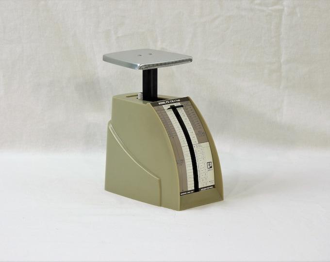 Vintage Postal Scale, Beige Pelouze Instrument, Model P2 Mail, April 1988 Rates, Collectible Device, Kitchen Decor, Office Decoration