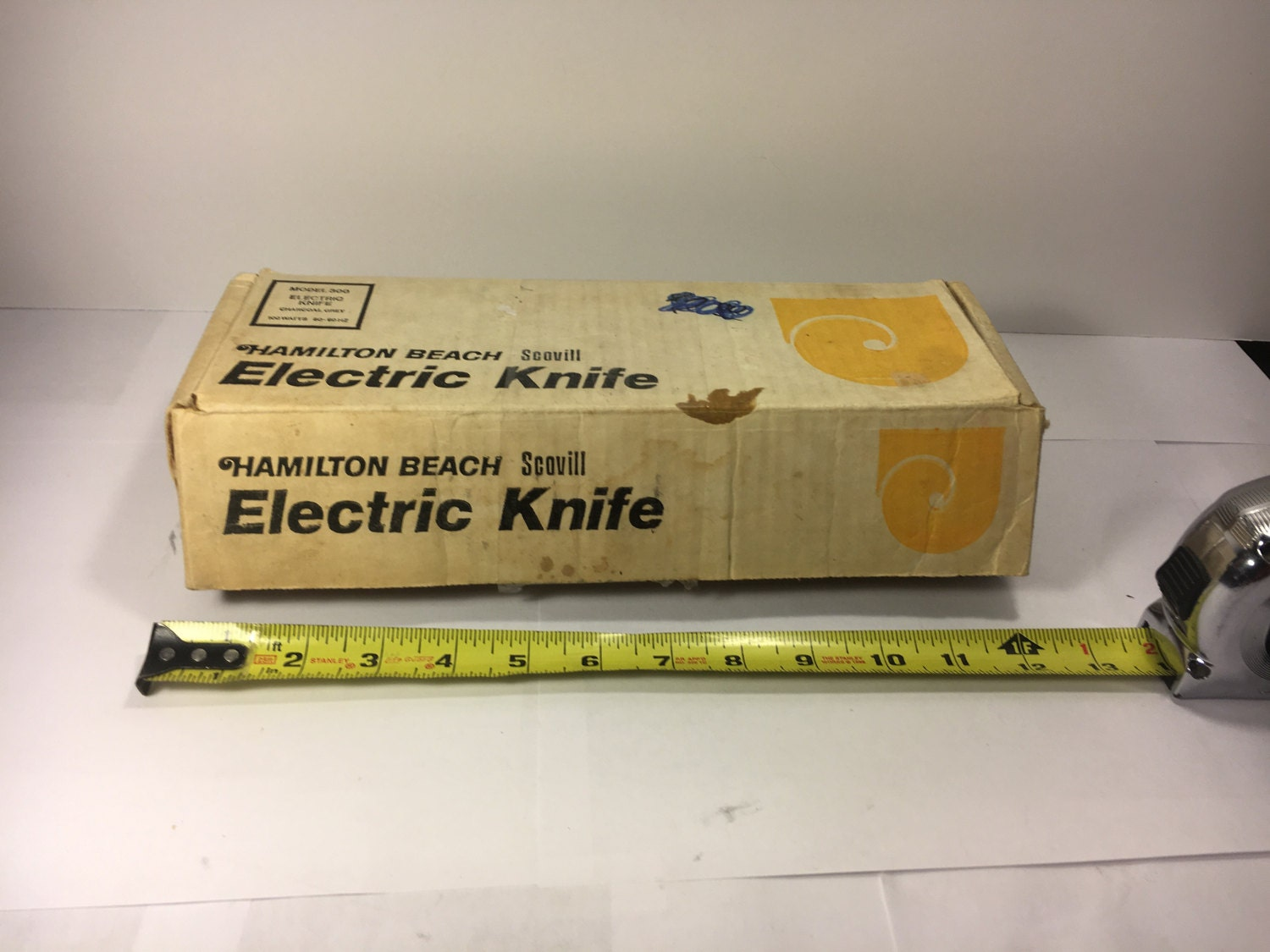 Vintage Hamilton Beach Scovill Electric Knife Two Blades