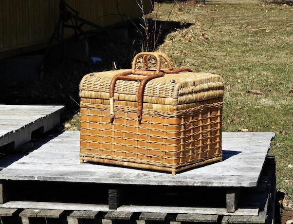 Vintage Rattan Trunk, Large Wicker Basket, Brown Picnic Storage, Bohemian  Decor, Tropical Beach, Entryway Decoration, Wooden Hearth Box