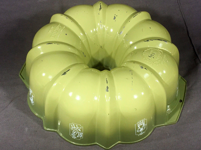 Vintage Bundt Pan, Nordic Ware Best Bundt, Gray Green Decorative ...