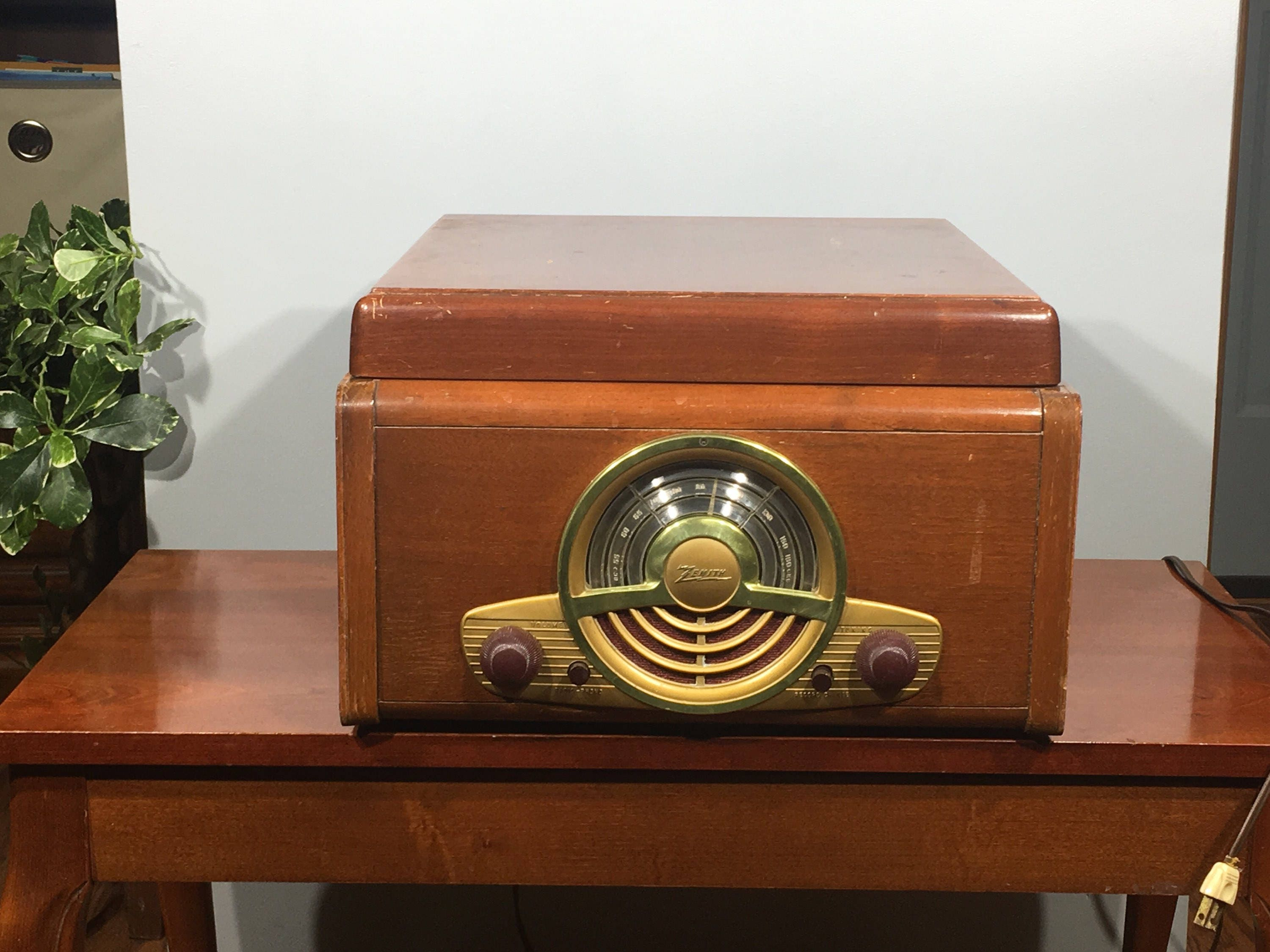 Mid Century Zenith Record Player, Zenith 6R886 Long Distance