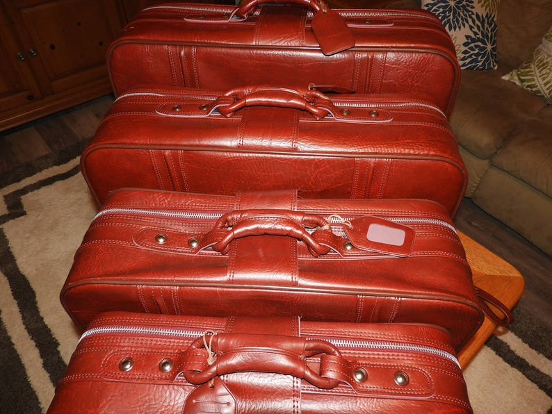 Vintage World Traveler Luggage Set 4 Red Leather World  a7d170b421fca