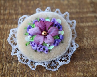 Embroidered brooch floral round beige velvet pin Mori girl jewelry Flower bouquet button Silk ribbon and lace Victorian lover gift