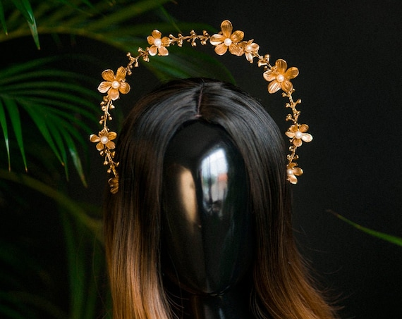 Moon Child Halo, Sun Jewellery, Halo, Halo Headpiece, Flower Crown, Halo Headlights, Crown, Celestial, Headpiece, Pregnancy Photo, Goddess