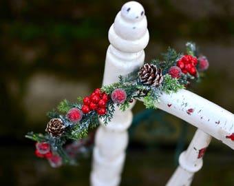 Thin, cute Christmas hair wreath
