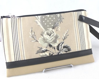 checkbook, coin purse bouquet of roses