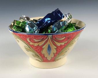 Ceramic bowl handpainted with Deruta Italian style designs