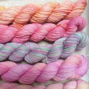 crochet mothers day uk seller 100g Hand dyed 4 ply yarn geum variegated yarn orange merino bamboo base hand dyed wool knitting