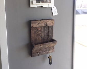 Weathered Mail & Key Holder