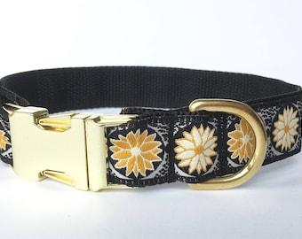 Dog collar: Golden Lotus