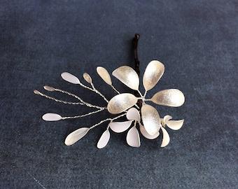 Hair clip flower vine ivory