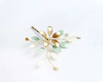 Hair clip with flower vines