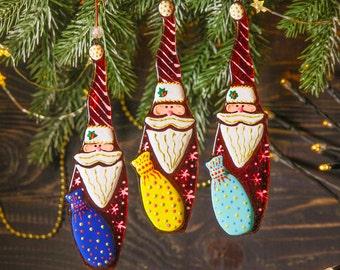 Santa; Fused Glass Christmas ball; Christmas Decoration; Home Decor: Hand painted Christmas Ornament; Christmas Tree Decoration
