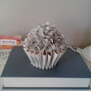 Candle Ring Origami Flowers Tea Light Candles Book Page Flowers Candles Librarian Gift Book Bouquet Book Theme Gift Teacher Gift