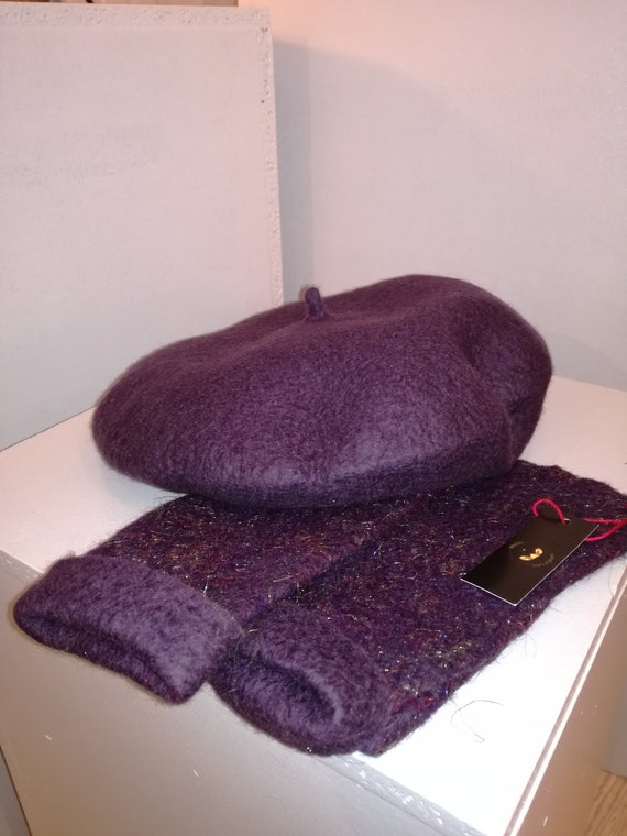 Set of beret Merino color obergine with mittens