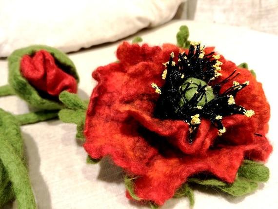 Poppy belt in felted merino wool